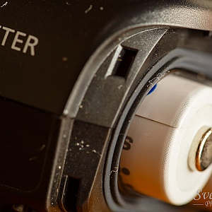 Canon ST-E3-RT features a rubber weather sealing